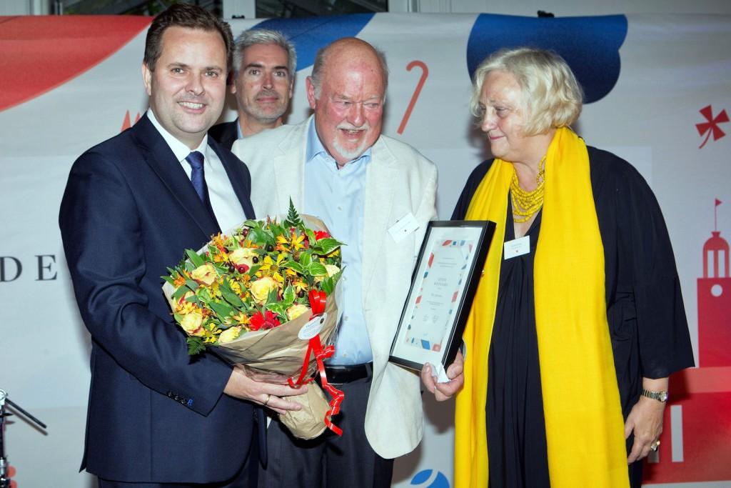 Hædersprisvinder Ejvind Rostgaard i midten med Mads Lebech og Martin Dahl og Sys Rovsing